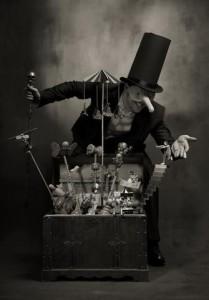 выставка фото-фантазия Mick Ryen под названием Chimera / обзор шанхайских галерей с Ольгой Мерёкиной