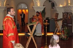 9 мая 2010 в Шанхае: Служба в Свято-Николаевском храме и День Победы